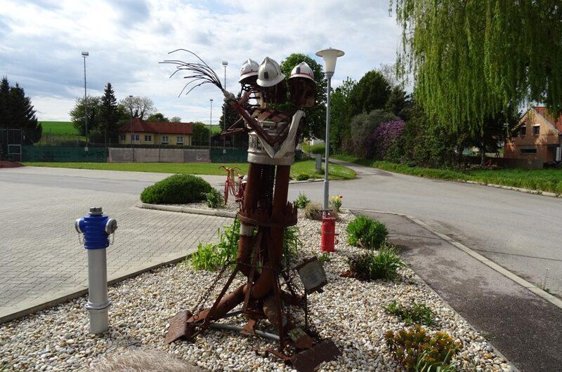 Feuerwehr Skulptur