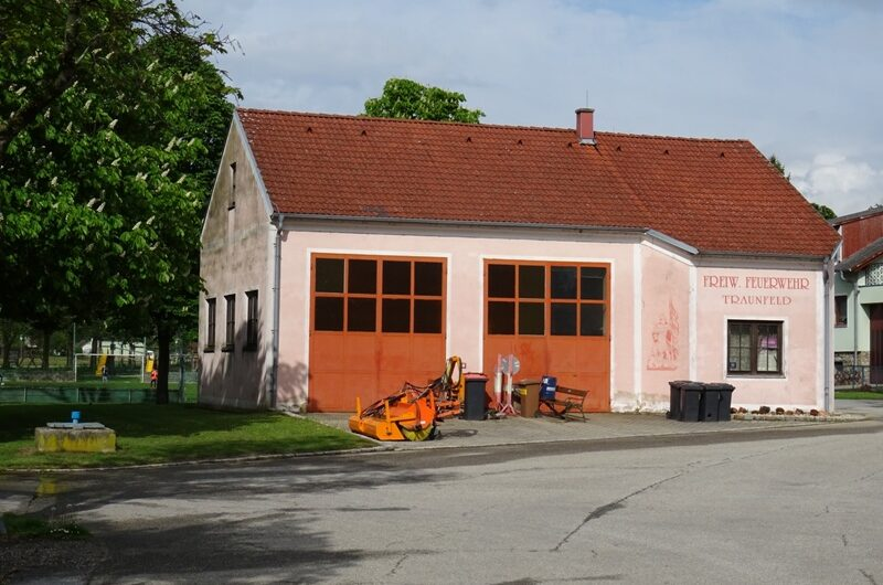 Feuerwehrhaus Traunfeld