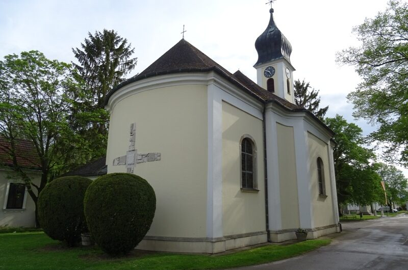 Kirche Traunfeld